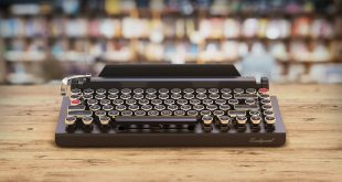 qwerkywriter-typewriter-keyboard-ipad-bluetooth