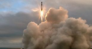 Rocket-Lab-Lift-off-Mahia-Peninsula-Nouvelle-Zelande