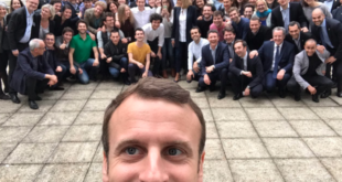 Emmanuel-Macron-selfie